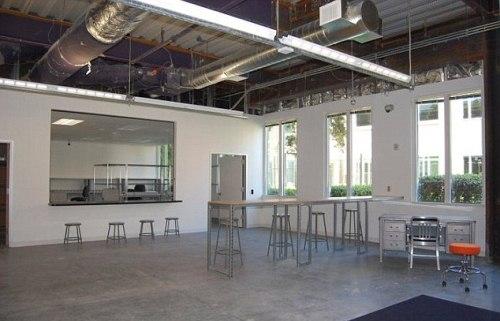 Fotos facebook estrenar nuevas y sorprendentes oficinas for Oficinas de diseno industrial