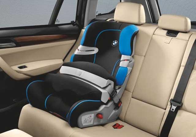 Bmw presenta l nea de asientos de lujo para ni os for Asientos infantiles coche