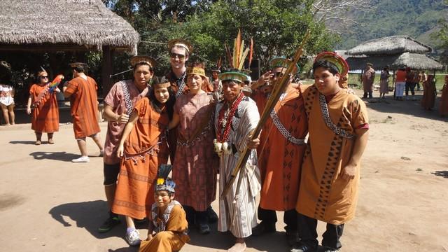 Nativos con visitantes 2