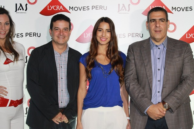 Izq a Der Juan Carlos Garcia, Director Comercia de invista, Lizeth Palomino, Mercadeo de Invista, Manuel Abusada, representante de JAS(1)