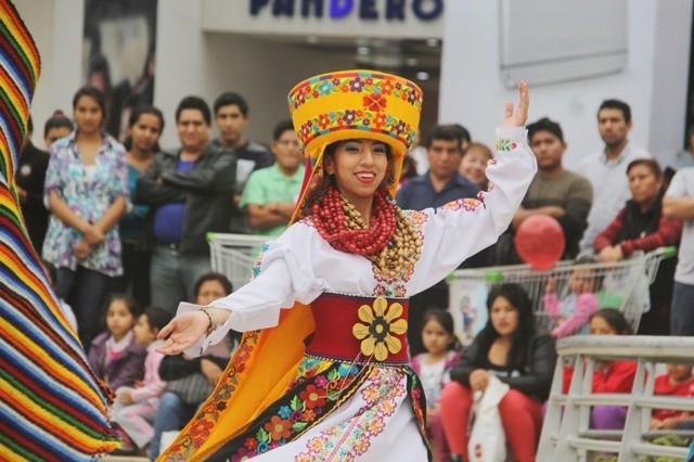 1ER FESTIVAL FOLKLORICO DE LA MANCOMUNIDAD LIMA NORTE (2)