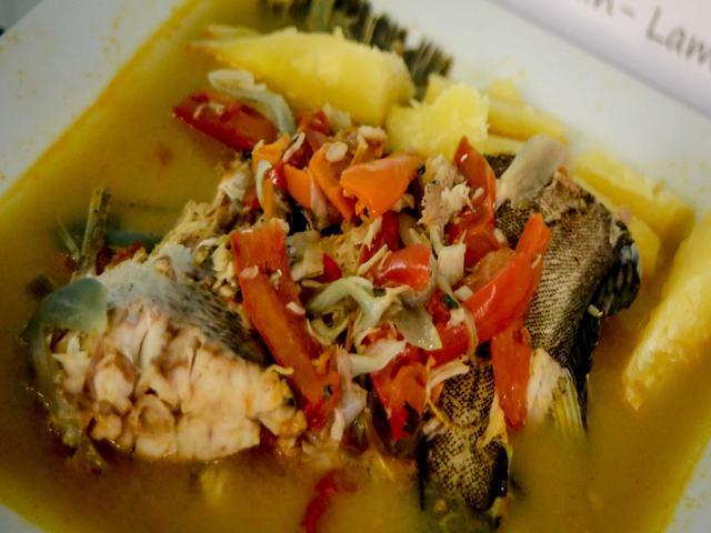 Sudado de cachema y chalaquito con chicha de jora de Lambayque