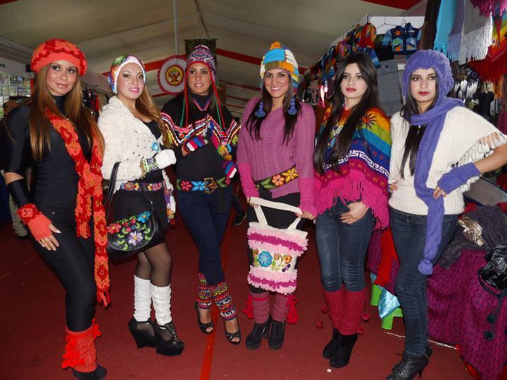 Desfile de chicas bala en el sem 2018 - 1 part 5
